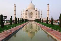 What is the Good Time to Visit Taj Mahal